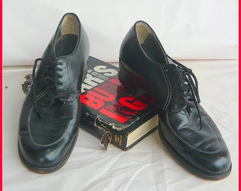Vintage 40s NO NONSENSE Oxford Shoes / size 7 .5 Narrow Eu 38  UK 5 / Black Leather Laceup Granny Broghans / Vintage 1940s Flats