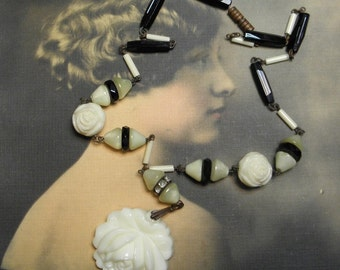 Vintage Necklace Deco Glass Rose Black and Cream