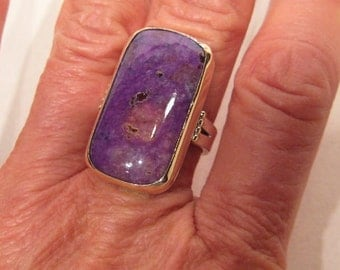 Lovely purple Sugilite with Pink Bustimite ring ... Sterling Silver and 14 kt Gold    ...    size      8.5              e849