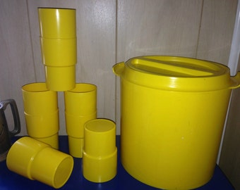 Vintage Plastic Ice Bucket Tumblers Volari Plastics Beacon 1975