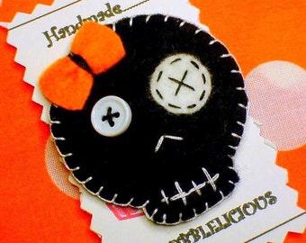 Handmade Felt Black Skull Hair clip or brooch Pin Felt Skulls