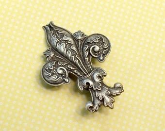 Fleur de lis hair clip French barrette antique style brass bronze silver Victorian hair accessory antique style New Orleans Marie Antoinette