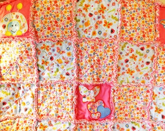 Baby Rag Quilt - Scattered Bugs Flowers Applique - Caterpillar - Butterfly - Dragonfly - Ladybug - Toddler Quilt - Crib Rag Quilt