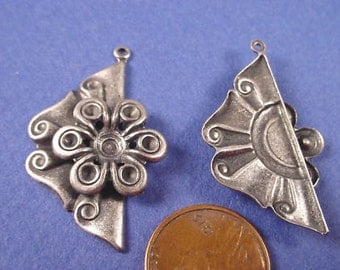 2 Vintage silver ox Art Nouveau style charms 32mm with floral setting. The flower will accept 10SS (2-3mm) rhinestones.