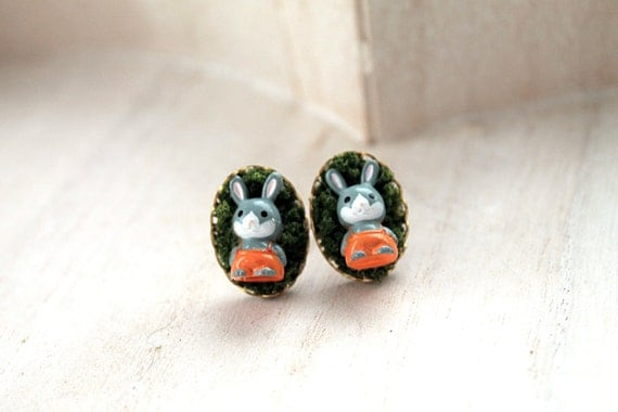 Bunnies  in moss Kawaii earrings posts cute animal rabbit