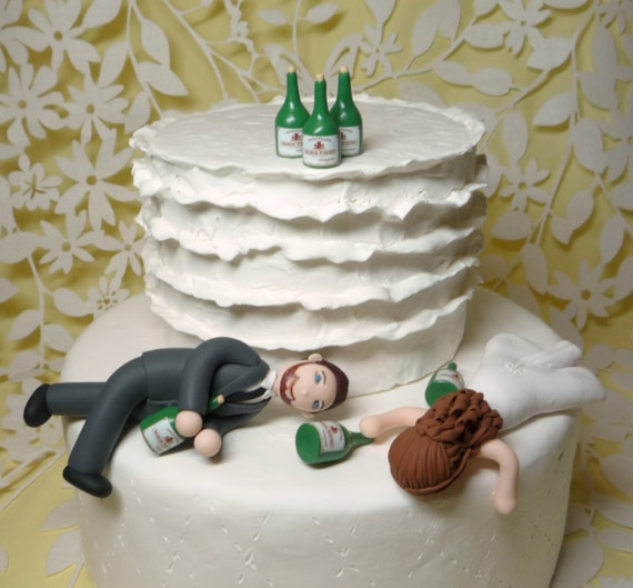 drunk bride and groom wedding cake custom wedding cake topper 13759