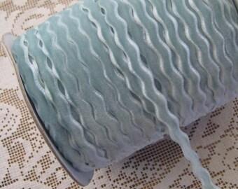 3 3/8 Yards Aqua Blue Velvet Ric Rac Ribbon Trim BD-8