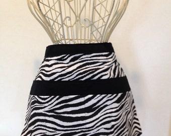 Half Apron Vendor Craft Art Teacher Nursery Zebra Animal Black White Fabric (8 Pockets)