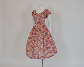 50s dress / Feeling a Bit Rosie Vintage 1950's Sheer Full Skirt Dress