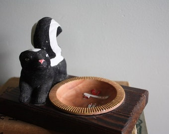Kitschy Skunk Ashtray