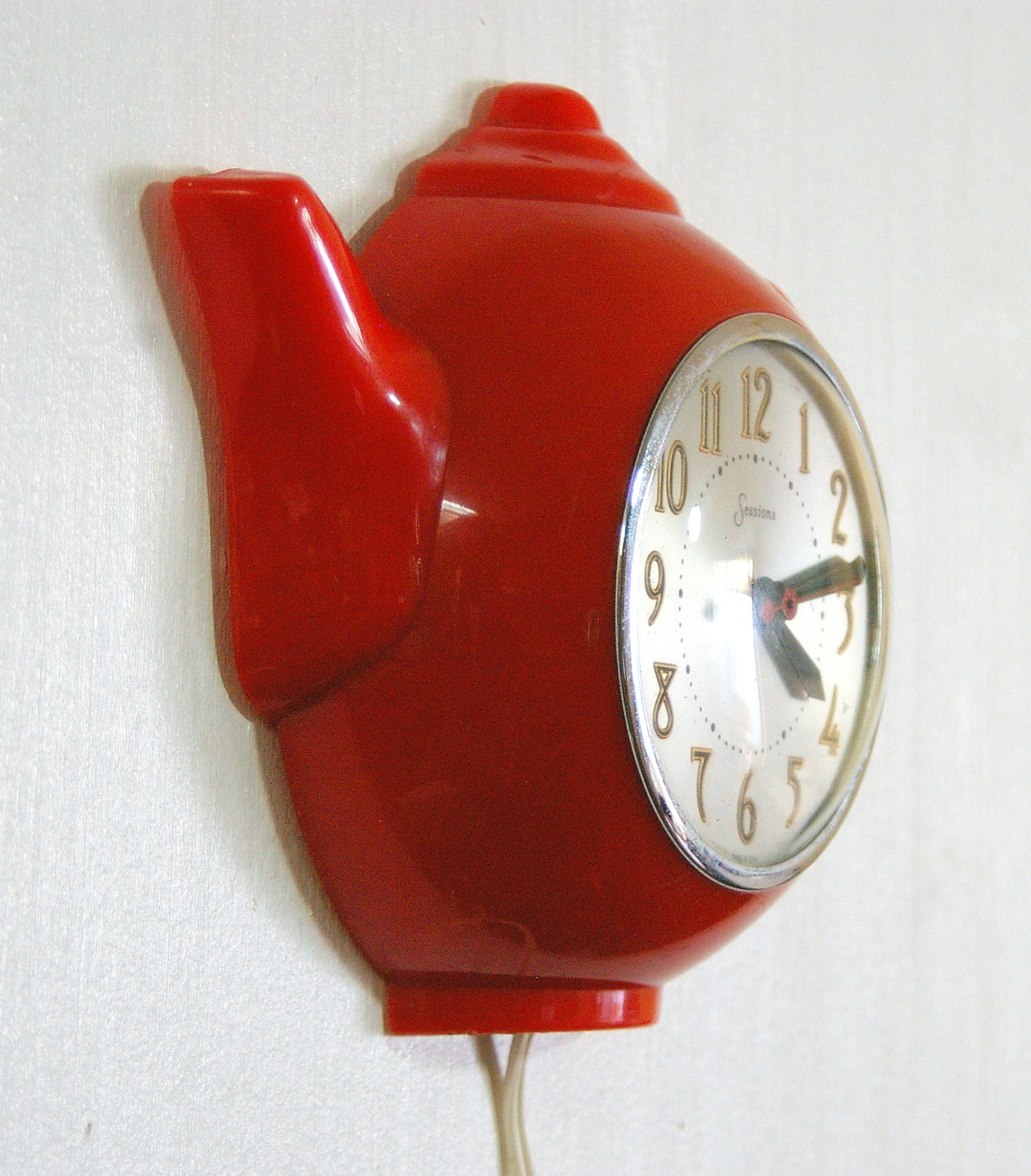 Vintage Sessions Clock Company Red Teapot Wall Clock