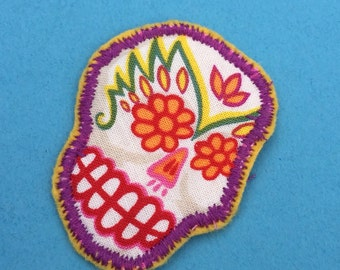 Fabric Brooch sugar skull sew on patch, felt backed. Freemotion Embroidered