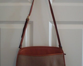 NICE vintage leather authentic Dooney and Bourke shoulder bag- beige and light brown leather