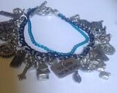 Dark Wonderland - Alice Through the Looking Glass Charm bracelet in BLUE