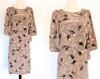 80s Pleated Puff Sleeve Floral Faux Blouson Secretary Dolly Abstract Pattern Dress . XS/S . D248. 988.6.11.15