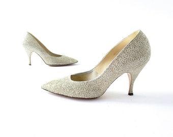 Vintage 1960s Shoes | Silver Cobwebs | Glitter Heels | Silver Pumps | Size 6 1/2