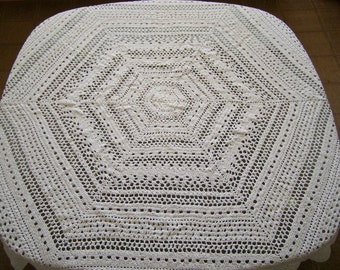 white rounds crochet tablecloth