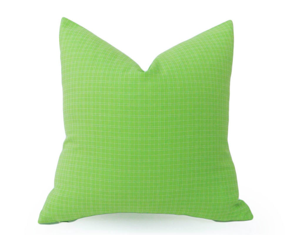 vibrant green pillows lime green pillow cover spring. Black Bedroom Furniture Sets. Home Design Ideas