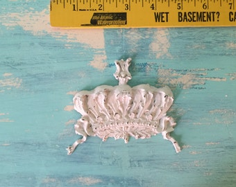 Crown Princess Furniture Applique, Shabby Chic Brown Distressable Onlay