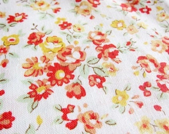 FREE SHIPPING Classic Vintage Floral Fabric in White - Floral Fabric (F013) - Fat Quarter