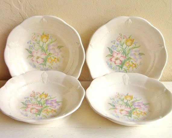 Set of 4 Antique Bowls Cottage Style with Flowers Lace Edge RARE 1930s