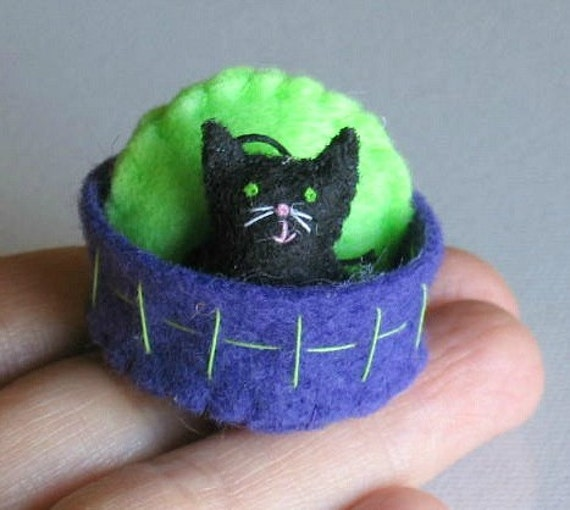 Halloween Black cat miniature felt plush with stiffened felt basket and pillow play set