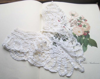 Vintage Lace Collar  * Ivory Lace * Bobbin Lace Collar * Romantic Lace Bib Collar