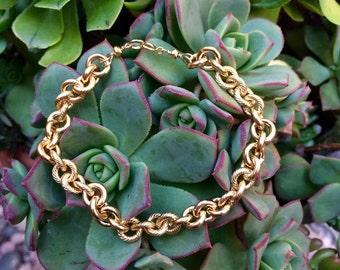 S A Y U R I  •  chunky gold bracelet