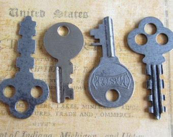 Vintage Antique keys -  Steampunk - Altered art j3