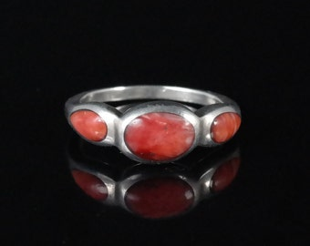 Size 4.25 Vintage Sterling Silver 3 Stone Spiny Oyster Shell Ring