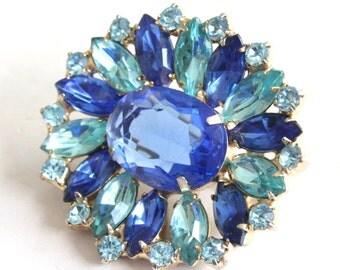 Vintage royal and ice blue glass rhinestone brooch with open back