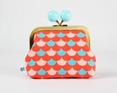 Metal frame coin purse with color bobble - Namisca in coral and teal - Color dad / Geometric scales / Sea blue / Red peach / Summer hues