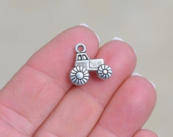 5  Silver Tractor Charms SC1375