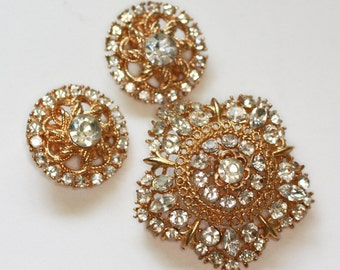 Crystal Domed Star Shaped Brooch and Round Clip Earrings Vintage Set