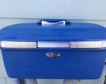 Vintage Royal Traveller Royal Blue Hardcover Overnight Cosmetic Makeup Bag