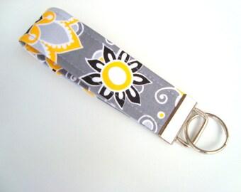 Wristlet Key Fob / Key Chain - Sunshine Floral
