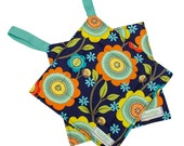 Hanging Potholder -- Washable Hot Pad -- Fabric Pot Holder -- Heat Resistant -- Washable -- Floral -- Navy Blue Floral -- Ready To Ship