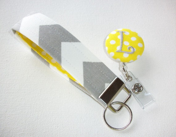 key fob    keychain    wristlet and id reel gift set gray
