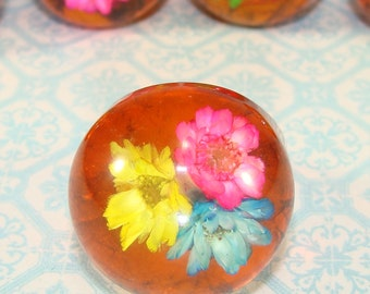 1 Straw Flower Bubble Ring - Round Dome Tortoise Shell Plastic Lucite Vintage Mod 60s Hippie Friendship Rings Various Sizes Available NOS