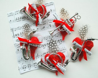 Orchestra Boutonnieres, Music Instruments Grooms Boutonniere, Weddings Accessories, Groomsmen Music Boutonnieres, Sax, Trombone, Horn, Heart