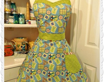 Travel theme woman's apron, sassy girl apron, full, pin up girls, kitchen, handmade,retro, kitchy,handmade, sweetheart