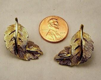 Vintage Gold Leaf Clip Earrings, Artistic Swirl Leaf Design, Estate Wedding Bridal Bouquet Costume Jewelry, Under Ten 10 Dollars