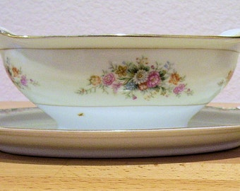 Occupied Japan, Rose China Sauce or Gravy Boat  Vintage 1945-1952