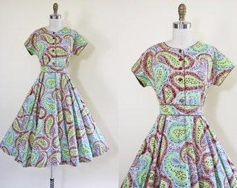 50s Dress - Vintage 1950s Dress - Apple Green Indigo Cocoa Paisley Print Cotton Full Skirt Day Dress M L - Mill Creek