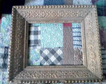 Beautiful AntiqueOrnate Wood Frame - 8 x 10 size