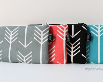 BagEnvy Handbags - Arrow Zippered Clutch / Pouch - Make Up Bag -  Choose Your Fabric