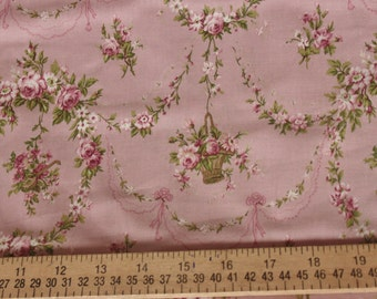 Yuwa Rose Garland Cotton Fabric 812965D Pink
