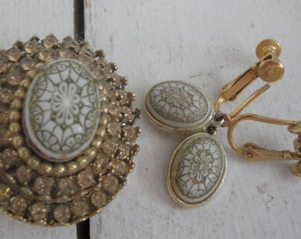 Vintage Pin and Earring Set Gold White Rhinestones