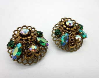 Sweet Vintage Clip On Earrings