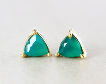 Pyramid Green Onyx Studs - Gold Plated